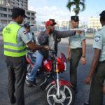 Video muestra accidente involucra dos carros y una motocicleta en SFM