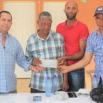 Amílcar entrega más de RD$15 millones a productores de San Felipe Abajo