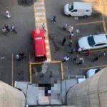 Hombre muere al lanzarse del piso 14 de las oficinas gubernamentales y todo por que lo cancelaron del cargo